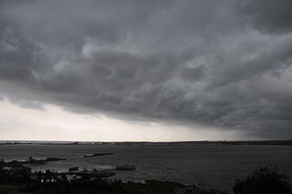 320px-Heavy_clouds_over_Salt_Lake,_Calcutta